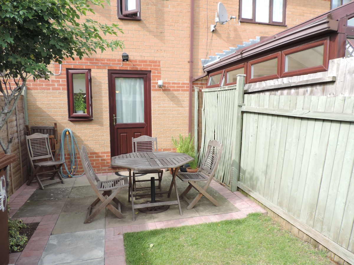 Earlstoke Close, Banbury - OX16