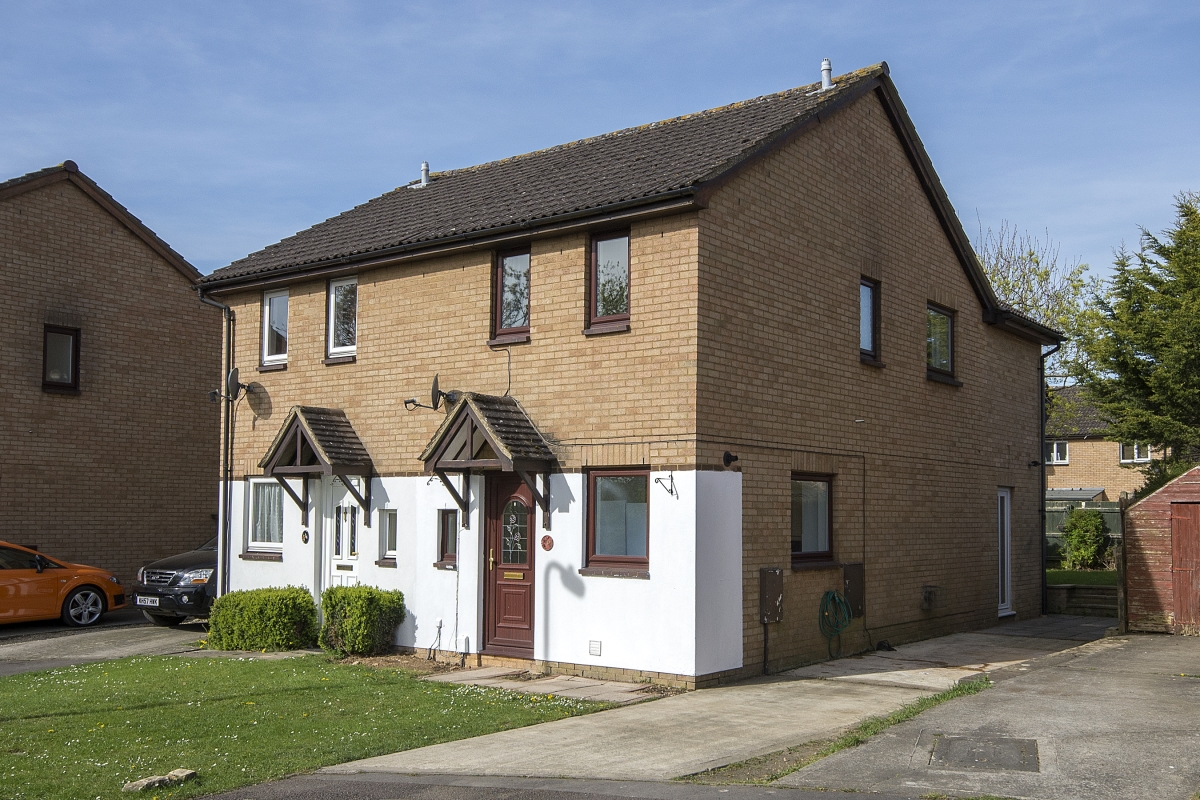 Heather Close, Carterton - OX18