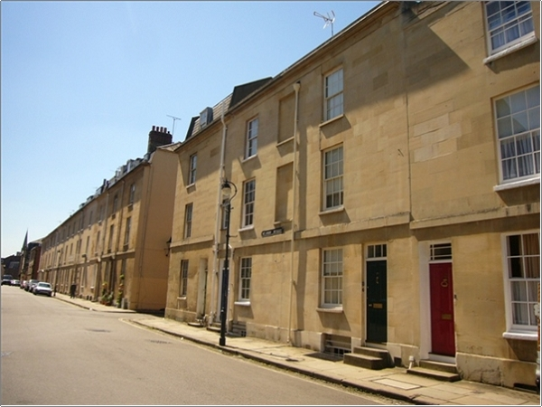 504872400pcm 2 Bedroom House In St John Street Oxford Ox1