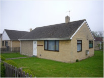 Detached property in popular village - OX5