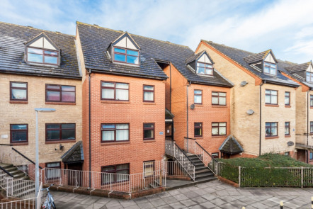 Northumberland Court, Banbury - OX16