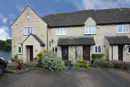 Kingsfield Crescent, Witney - OX28