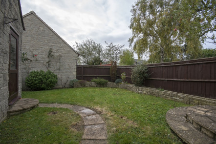 Chestnut Close, Brize Norton - OX18