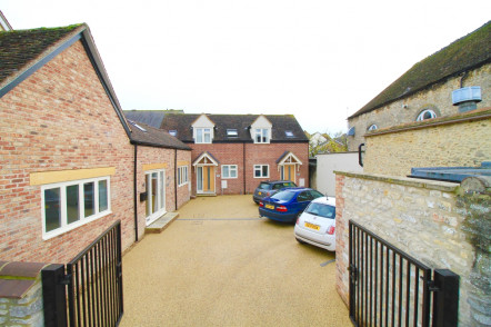 Wadley Court, Bicester - OX26