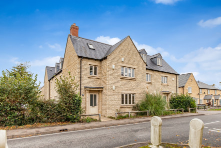 Sansoms Court, Woodstock - OX20
