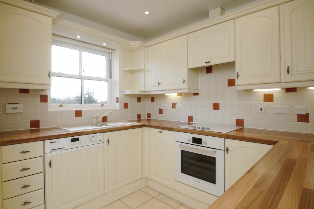 Lovely 2 bedroom apartment in a village location